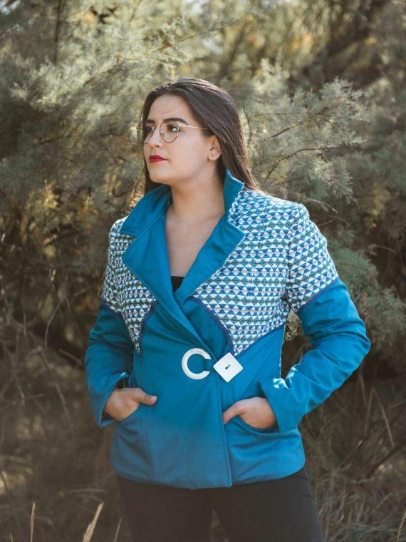 Veste en coupe cintrée bleu/motif